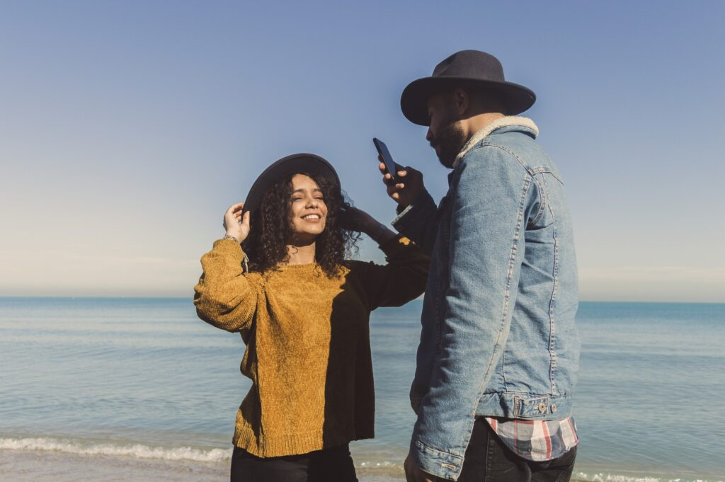 Couple Dating with Text Message